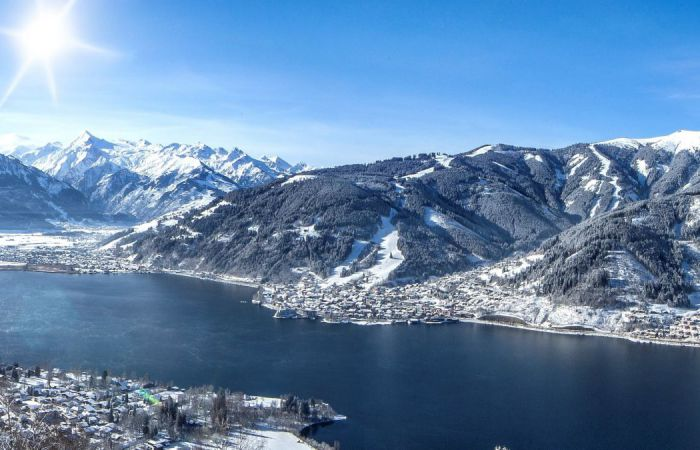 Meer van Zell am See in de winter
